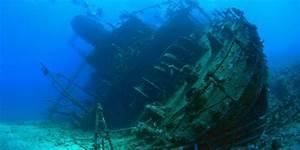 Image Gallery shipwreck underwater