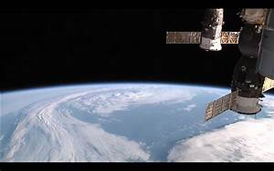 ISS Earth viewing live from the space station. Live stream ...