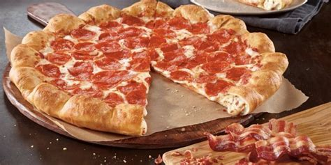 Pizza Hut Introduces Pizza With Bacon And Cheese In The