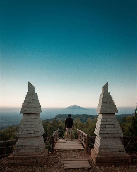 wajib dikunjungi spot wisata   bukit lintang sewu