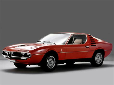 Alfa Romeo Montreal L'autoroutière Ritale !  Boitier Rouge