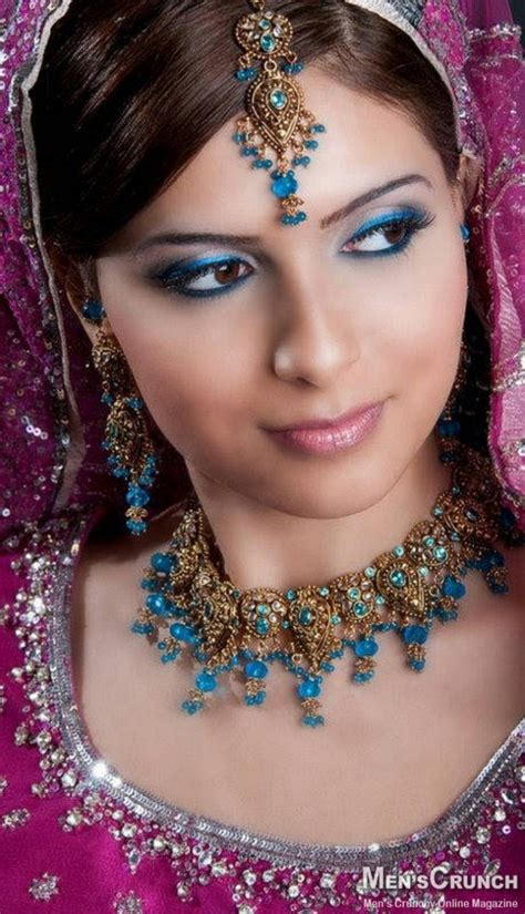 Book Of Beautiful Indian Women Dress In Germany By James