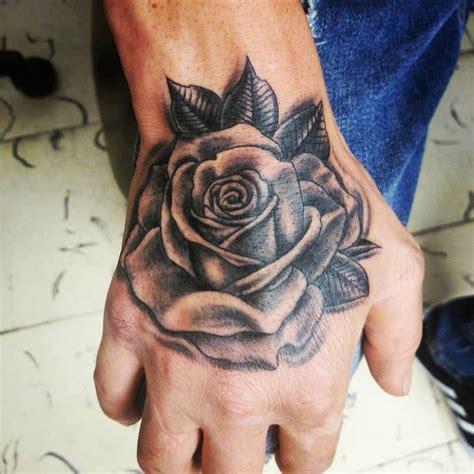 Tatuagem de rosa: Não faça antes de conhecer seu significado