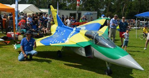 gigantic turbine rc aircraft crash saab gripen  scale