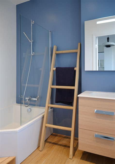 echelle salle bain etagere serviette design de maison