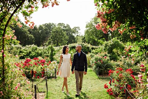 engagement session at botanic garden ny payal