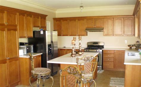 Amazing Of Stunning Amazing Kitchen Paint Colors With Oak