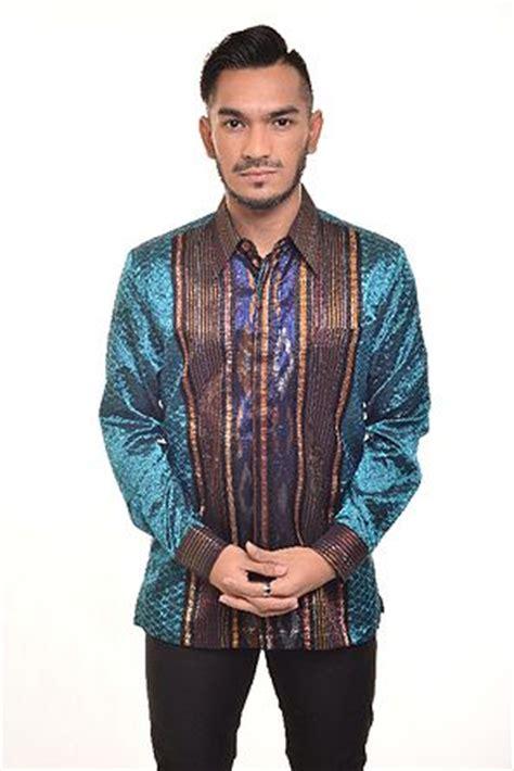 negarawan baju batik tenun pria modern