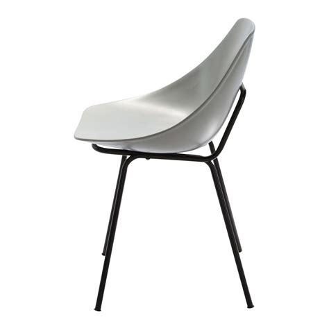 chaise guariche en fibre de verre et m 233 tal gris clair coquillage maisons du monde
