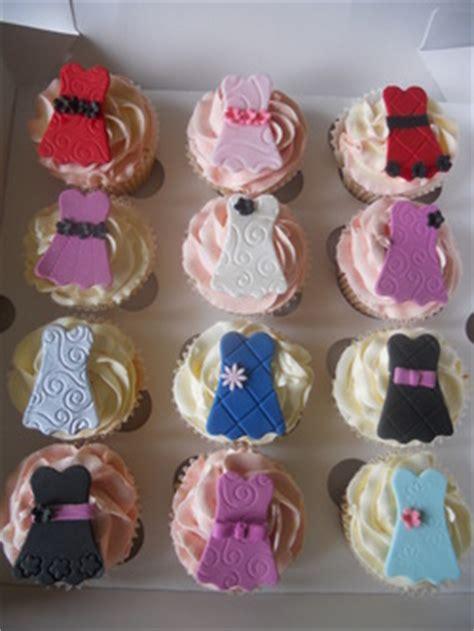 prom cupcakes tracys  cakes