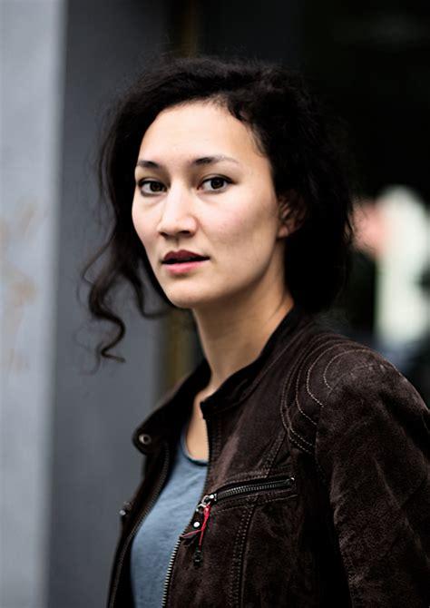 Agentur Unit One  Agnes Decker Vita