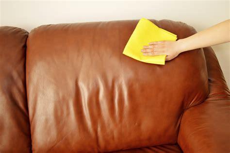 faire briller un canapé en cuir un truc de grand mère pour nettoyer canapé en cuir