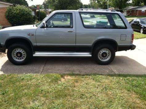 Sell used 1984 Chevrolet S10 Blazer Tahoe Sport Utility 2