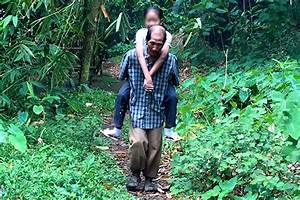 Power of love: Elderly father carries sickly daughter to ...