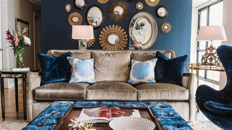20 Appealing Living Rooms With Gold And Navy Accents Christmas Outdoor Decorations Pinterest Decorated Cupcakes Wreath Table For Party Ideas White And Gold Decorating Idea Decoration 2013 Where To Store