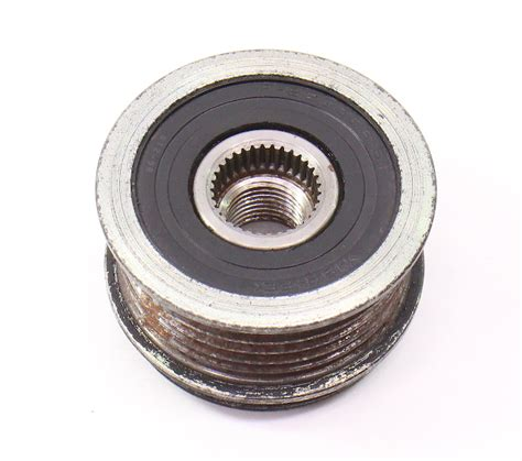 alternator pulley   vw jetta golf mk eos passat ccta