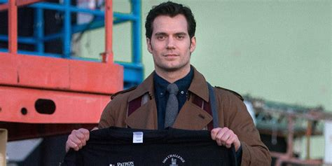 Here's Our First Look at Clark Kent in 'Batman v Superman ...
