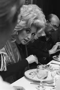 Dolly Parton 1977