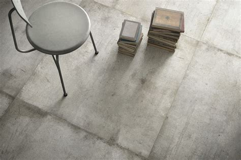 Light grey Ultra teknostone, grey stone effect floor and