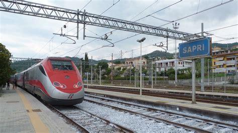 Freccia Rossa Interni by Il Primo Freccia Rossa In Arrivo Alla Stazione Di Sapri