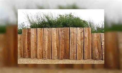 palisaden aus holz eine alternative zur steinmauer