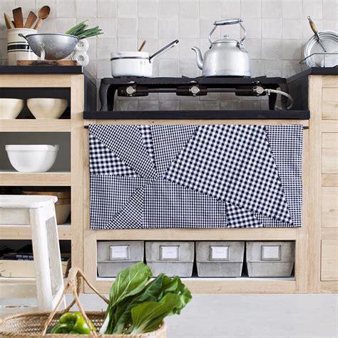 cache rideau cuisine un rideau de cuisine effet patchwork