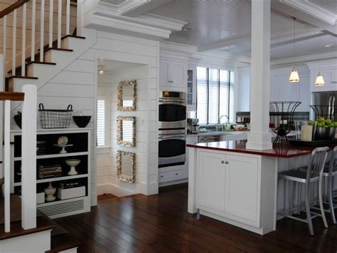 hgtv kitchen cabinet ideas country kitchen cabinets pictures ideas tips from hgtv 4183