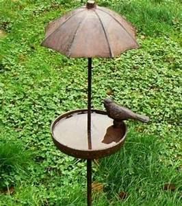 Abreuvoir A Oiseaux Pour Jardin : bain d 39 oiseau parapluie decoration abreuvoir oiseaux jardins et oiseaux ~ Melissatoandfro.com Idées de Décoration