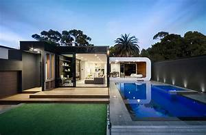 Cool Modern House With Fresh Swimming Pool Nice Overhang