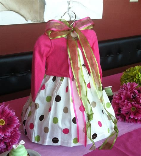 baby girl shower centerpieces use a baby dress as the centerpiece for a girl baby shower
