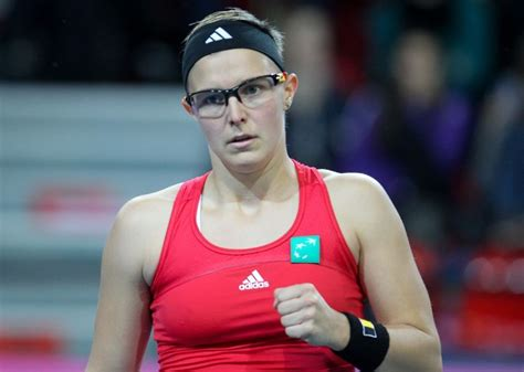 kirsten flipkens hot  fashion style trends