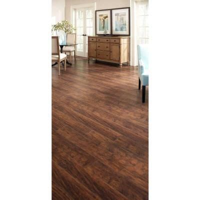 Trafficmaster Glueless Laminate Flooring Alameda Hickory by Trafficmaster Farmstead Hickory 12 Mm Thick X 6 06 In