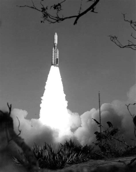7 Rocket Launch Photos Of Historic NASA Missions