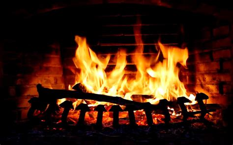 crackling fireplace screensaver fireplace crackling yule