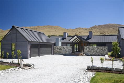 exterior view   country home whi gallery  trends