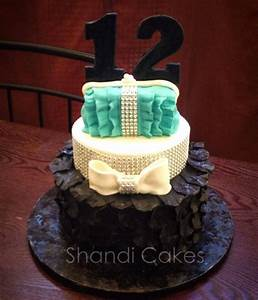 Teenage girls birthday cake by Shandi Cakes on top make ...