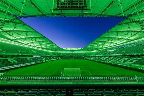 Nel 1951, wolfsburg venne separata dal distretto di gifhorn, e divenne un distretto urbano. TRILUX stattet Bundesligisten VfL Wolfsburg mit ...