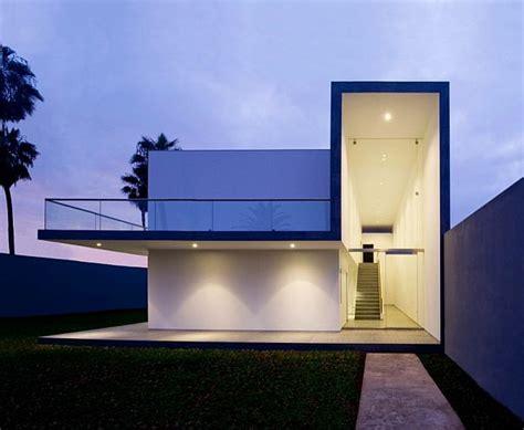 simple  modern house  javier artadi