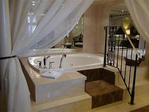 honeymoon suite jacuzzi picture of royal sonesta hotel With honeymoon suites in new orleans