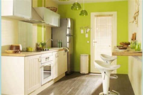 decoration des petites cuisines bien cuisine avec ilot central et coin repas 12