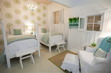 Baby Girls Rooms Ideas With Non-traditional Colors