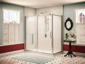 Porte de douche coulissante dans la salle de bains moderne for Porte de douche coulissante avec carreaux blanc salle de bain