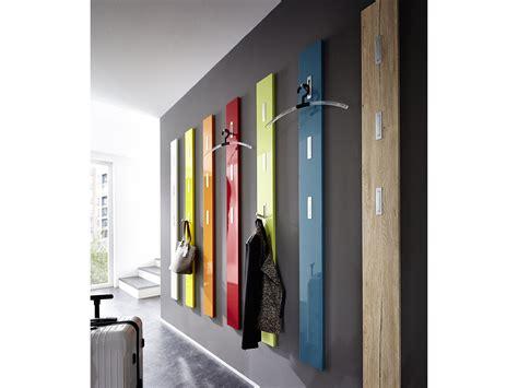 cuisine parfaite porte manteau mural en bois 3 accroches rabattables h170cm