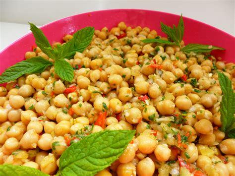 cuisine pois chiche salade de pois chiche à l 39 orientale la recette facile