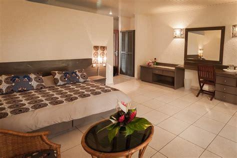 chambre lodge chambre vue jardin hôtel coucoué lodge assinie