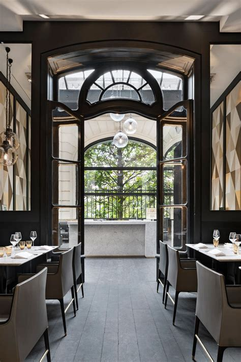 More Classic Interior Designs by Stylish Exclusive Italian Restaurant In Classic Interior