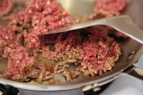 what to cook ground beef chop it up how to properly cook ground beef in pictures popsugar food