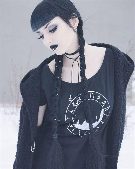 Best 25 Goth Hairstyles Ideas On Pinterest Nu Goth