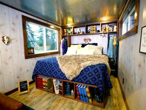 bedroom layouts for small rooms 19 luxurious bedrooms in tiny spaces tiny luxury hgtv 18176 | 1473382197416