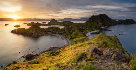 star   padar island sunset